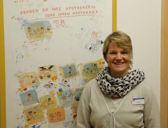 Die approbierte Apothekerin Jutta Kuhn leitet die Rathaus Apotheke