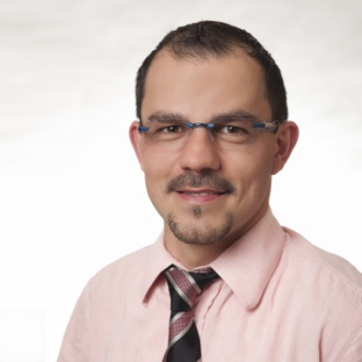 Der staatlich geprüfte Augenoptiker und Augenoptikermeister Alexander Linsenbarth