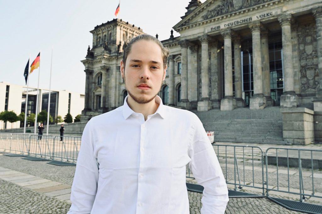 Dieses Bild hat ein leeres Alt-Attribut. Der Dateiname ist Kandidat-Bundestag-Nils-1024x682.jpeg